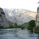 Cetina-rivière pirate nuit